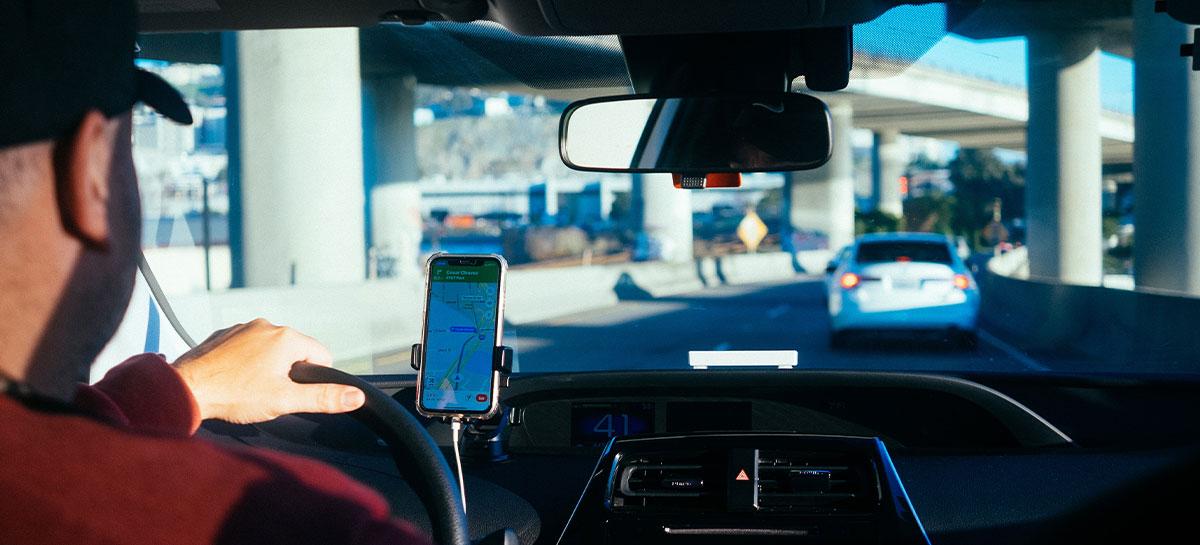 Após queixas de motoristas, Uber e 99 vão rever repasses de pagamentos