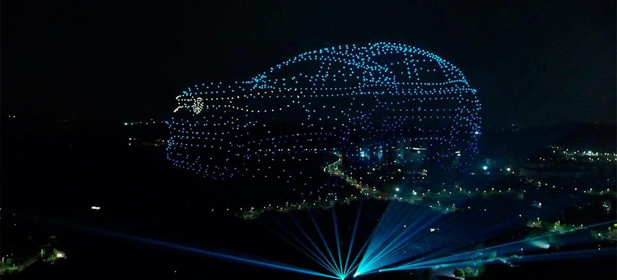 """Volkswagen apresenta novos ID.4 na China com 2.000 drones os """"desenhando"""" no céu"""