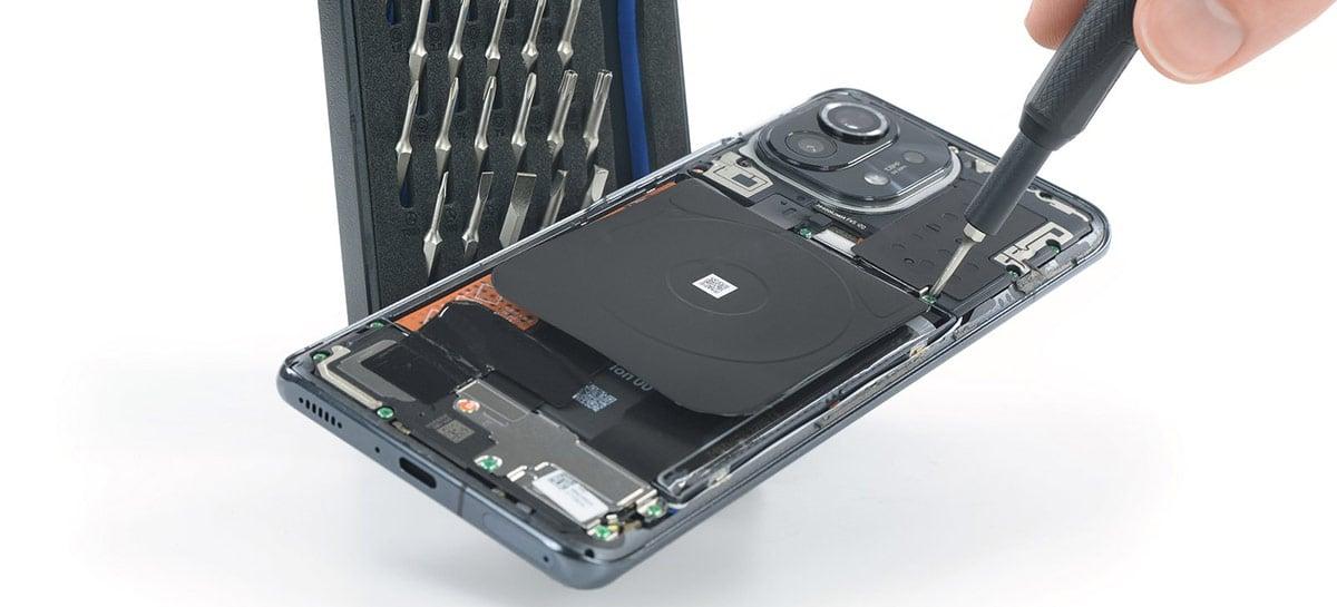 """iFixit desmonta o Xiaomi Mi 11 e dá nota baixa para sua """"consertabilidade"""""""